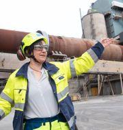 Matilda Hoffstedt, fabrikschef för Cementa i Slite på Gotland. TT