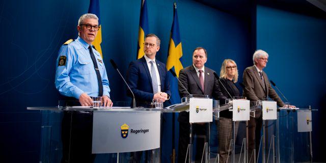 Bild från veckans pressträff där regeringen deltog tillsammans med Polismyndigheten och Folkhälsomyndigheten. MAXIM THORE / BILDBYRÅN
