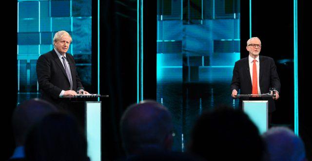 Boris Johnson och Keremy Corbyn under tisdagskvällens tv-debatt. ITV / TT NYHETSBYRÅN