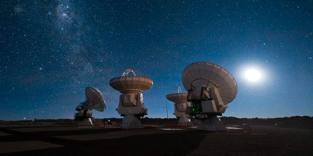ALMA-teleskopet i Chile användes i jakten på spåren efter stjärnorna ESO/José Francisco Salgado / European Southern Observatory