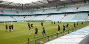MFF-spelarna vid träningen inför torsdagens kvalmatch till Europa League mellan Malmö FF och Domzale på Stadion. Andreas Hillergren/TT / TT NYHETSBYRÅN