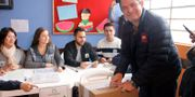 Presidentkandidaten German Vargas lägger sin röst Juan Manuel Barrero / TT / NTB Scanpix