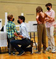 Trudeau röstar med sin familj på måndagen. Sean Kilpatrick / TT NYHETSBYRÅN