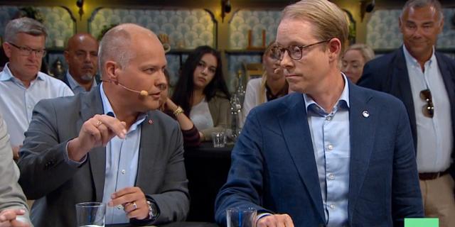 Morgan Johansson (S) och Tobias Billström (M). Skärmdump SVT