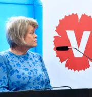 Ulla Andersson och Jonas Sjöstedt under pressträffen. Henrik Montgomery/TT / TT NYHETSBYRÅN