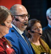 LO:s ordförande Karl-Petter Thorwaldsson i mitten. Fredrik Sandberg/TT / TT NYHETSBYRÅN