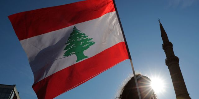 Libanesisk flagga. Hassan Ammar / TT NYHETSBYRÅN