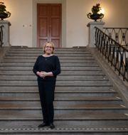 Stockholms finansregionråd Irene Svenonius (M) på trappan till Landstingshuset.  Gustaf Månsson/SvD/TT / TT NYHETSBYRÅN
