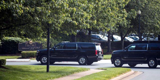 Trump när han idag anlände till sin golfbana. Alex Brandon / TT NYHETSBYRÅN
