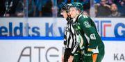 Johan Ryno får matchstraff. FREDRIK KARLSSON / BILDBYR N