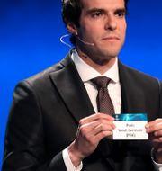 Kaka under lottningen. VALERY HACHE / AFP