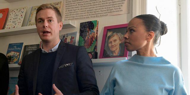 MP:s språkrör Gustav Fridolin och kulturminister Alice Bah Kuhnke (MP). Janerik Henriksson/TT / TT NYHETSBYRÅN