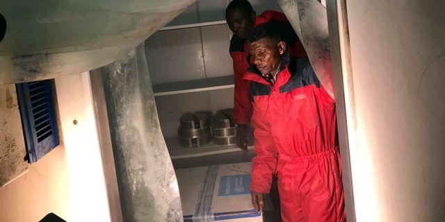 De första doserna försöksvaccin levereras till Kongo-Kinshasa. STAFF / TT NYHETSBYRÅN