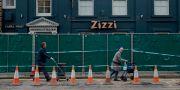 Bänken var placerad utanför restaurangen Zizzi i brittiska Salisbury. Matt Dunham / TT / NTB Scanpix