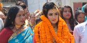 Khadiza Akter Khushi på väg till bröllopsceremonin. HANDOUT / AFP