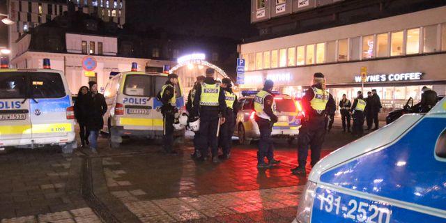 Stor polisinsats vid centralen i Stockholm efter förra veckans händelser. Stefan Reinerdahl / TT NYHETSBYRÅN