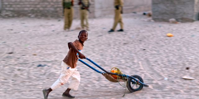 Arkivbild. Somalisk pojke i Puntland, 6 mars. Ben Curtis / TT / NTB Scanpix