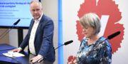 Vänsterpartiets partiledare Jonas Sjöstedt och partiets ekonomiskpolitiske talesperson Ulla Andersson.  Ali Lorestani / TT / TT NYHETSBYRÅN