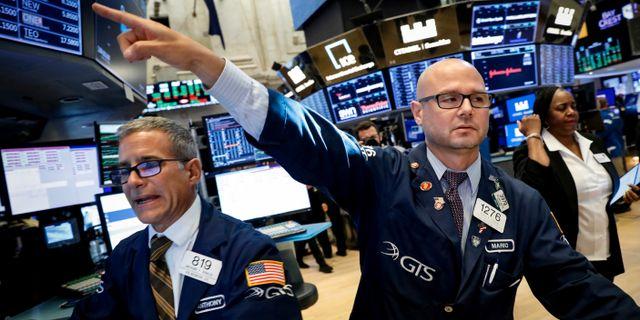 Illustrationsbild: Mäklare på New York-börsen.  Brendan McDermid / TT NYHETSBYRÅN