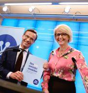 M-ledaren Ulf Kristersson och Elisabeth Svantesson (M)  när de presenterade vårens skuggbudget. Arkivbild. Pontus Lundahl/TT / TT NYHETSBYRÅN