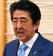 Arkivbild: Japans premiärminister Shinzo Abe uppges planera att avgå på grund av hälsoskäl.  Eugene Hoshiko / TT NYHETSBYRÅN