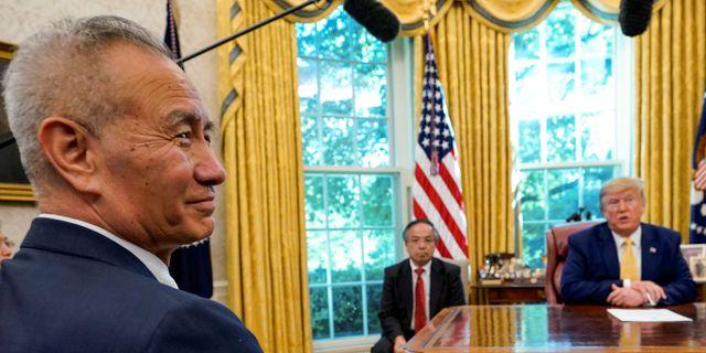 Arkivbild: Kinas vice premiärminister Liu He och USA:s president Donald Trump. Yuri Gripas / TT NYHETSBYRÅN