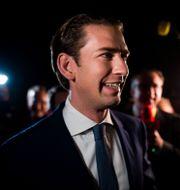 Sebastian Kurz jublar. VLADIMIR SIMICEK / AFP