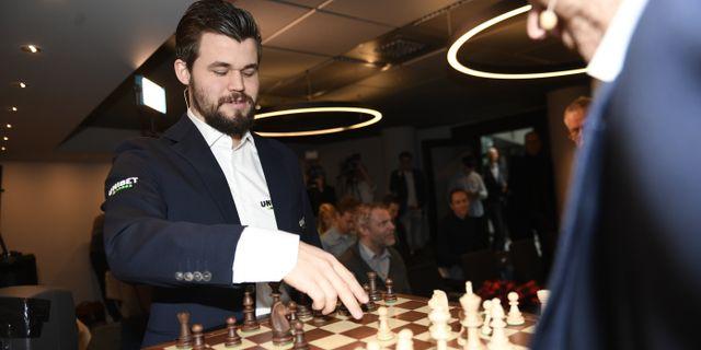 Magnus Carlsen på pressträffen i Stockholm idag. Ali Lorestani/TT / TT NYHETSBYRÅN