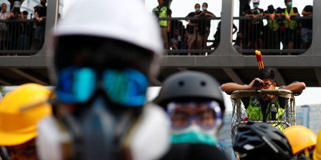 Demonstrationerna i Hongkong idag. KAI PFAFFENBACH / TT NYHETSBYRÅN