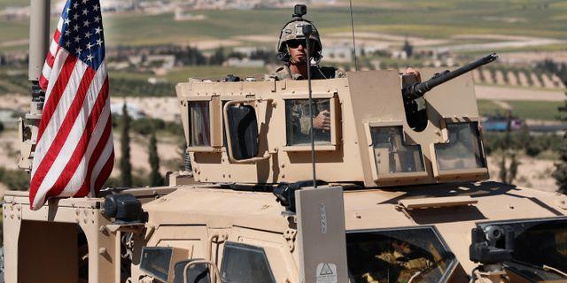 Utokat sokande efter amerikanska militarer