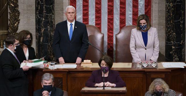 Mike Pence och Nancy Pelosi i kongressen förra veckan. J. Scott Applewhite / TT NYHETSBYRÅN