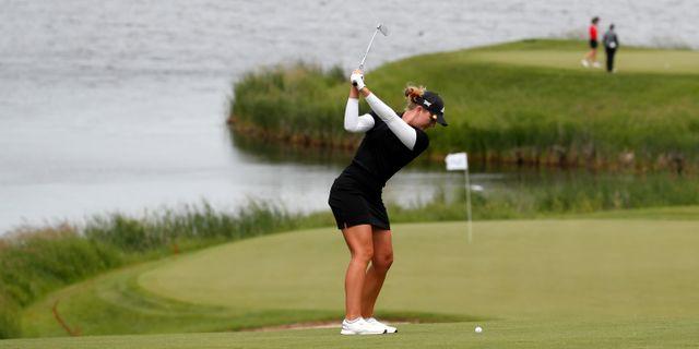 Linnea Ström slår sitt andra slag på KPMG Women's PGA Championship i USA.  BRIAN SPURLOCK / BILDBYRÅN