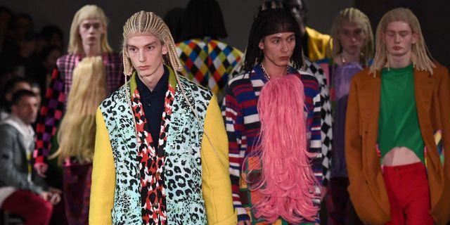 Modeller på Comme Des Garçons visning. ANNE-CHRISTINE POUJOULAT / AFP