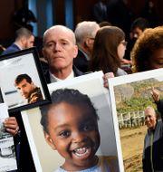 Anhöriga till offren som omkom under Lion Airs flight 610 den 29 oktober 2018. Susan Walsh / TT NYHETSBYRÅN