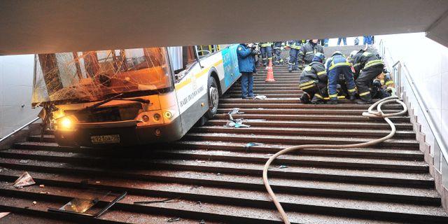 750 svenskar evakuerades med bussar