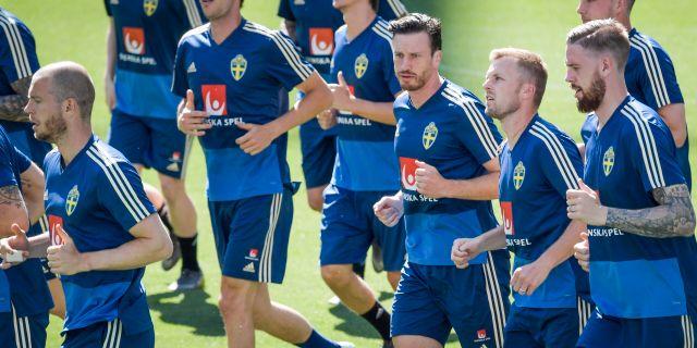 Herrlandslaget tränar inför matchen.  Janerik Henriksson/TT / TT NYHETSBYRÅN