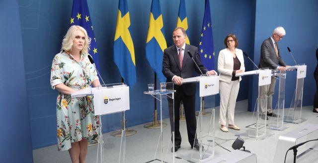 Bild från regeringens presskonferens.  Sören Andersson/TT / TT NYHETSBYRÅN