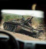 Ett förstört militärfordon i västra Tigray. Ben Curtis / TT NYHETSBYRÅN