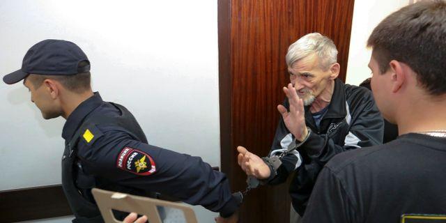 Jurij Dmitrijev när han greps 2018. Vladimir Larionov / TT NYHETSBYRÅN