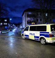 Polis på plats i stadsdelen Skäggetorp i Linköping, som klassas som ett särskilt utsatt område. Jeppe Gustafsson/TT / TT NYHETSBYRÅN