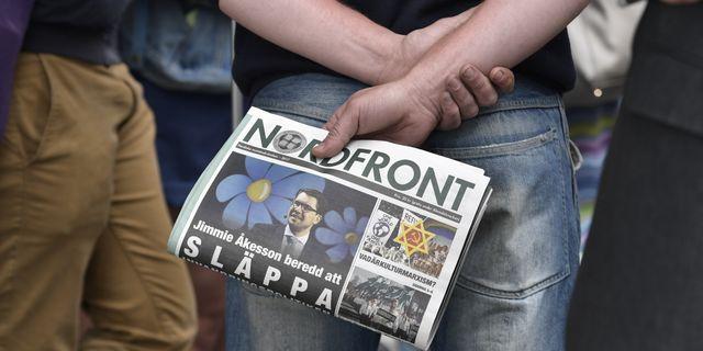 Sd politiker ger pengar at nazistiska nmr