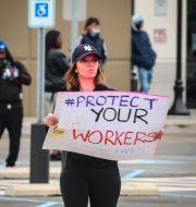 Amazon-medarbetare demonstrerar, arkivfoto. Bebeto Matthews / TT NYHETSBYRÅN