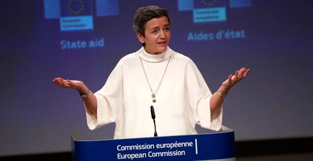 EU:s konkurrenskommissionär Margarethe Vestager presenterar projektet vid en presskonferans.  Francisco Seco / TT NYHETSBYRÅN