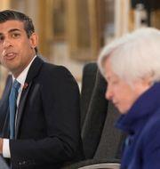 Arkivbild: USA:s finansminister Janet Yellen, i förgrunden, tillsammans med Storbritanniens finansminister Rishi Sunak vid G7-mötet i Storbritannien i somras Stefan Rousseau / TT NYHETSBYRÅN
