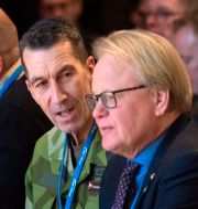 ÖB Micael Bydén och försvarsminister Peter Hultqvist (S) på Folk och försvars rikskonferens i Sälen. Henrik Montgomery/TT / TT NYHETSBYRÅN