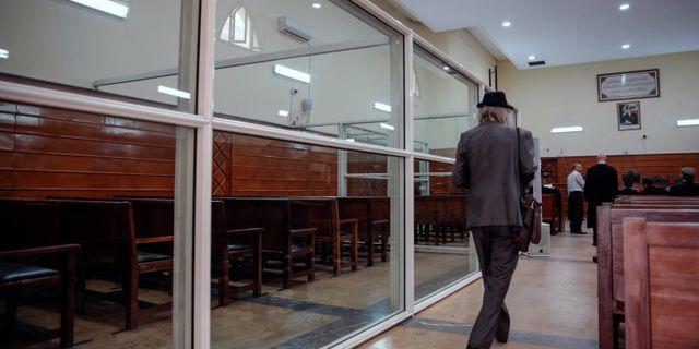 Bild från rättssalen där rättegången hölls idag. Mosa'ab Elshamy / TT NYHETSBYRÅN