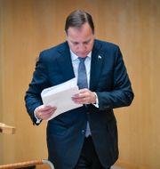 Statsminister Stefan Löfven (S) lämnar talarstolen i plenisalen i riksdagshuset i samband med riksmötets öppnande. Henrik Montgomery/TT / TT NYHETSBYRÅN