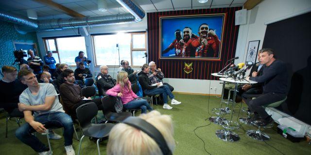 Daniel Kindberg under en presskonferens i går.  Marie Birkl/TT / TT NYHETSBYRÅN