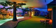 Den underjordiska villan är specialdesignad för att kunna husera en familj under ett helt år. Christopher DeVargas