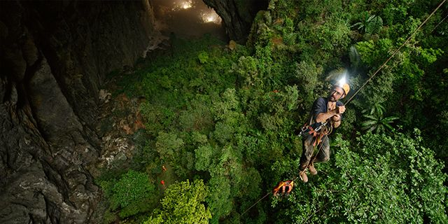Det går utmärkt att klättra in i grottan –men det går lika bra att bli nedfirad. Getty
